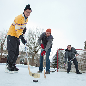 Outdoor rinks help monitor impact of climate change